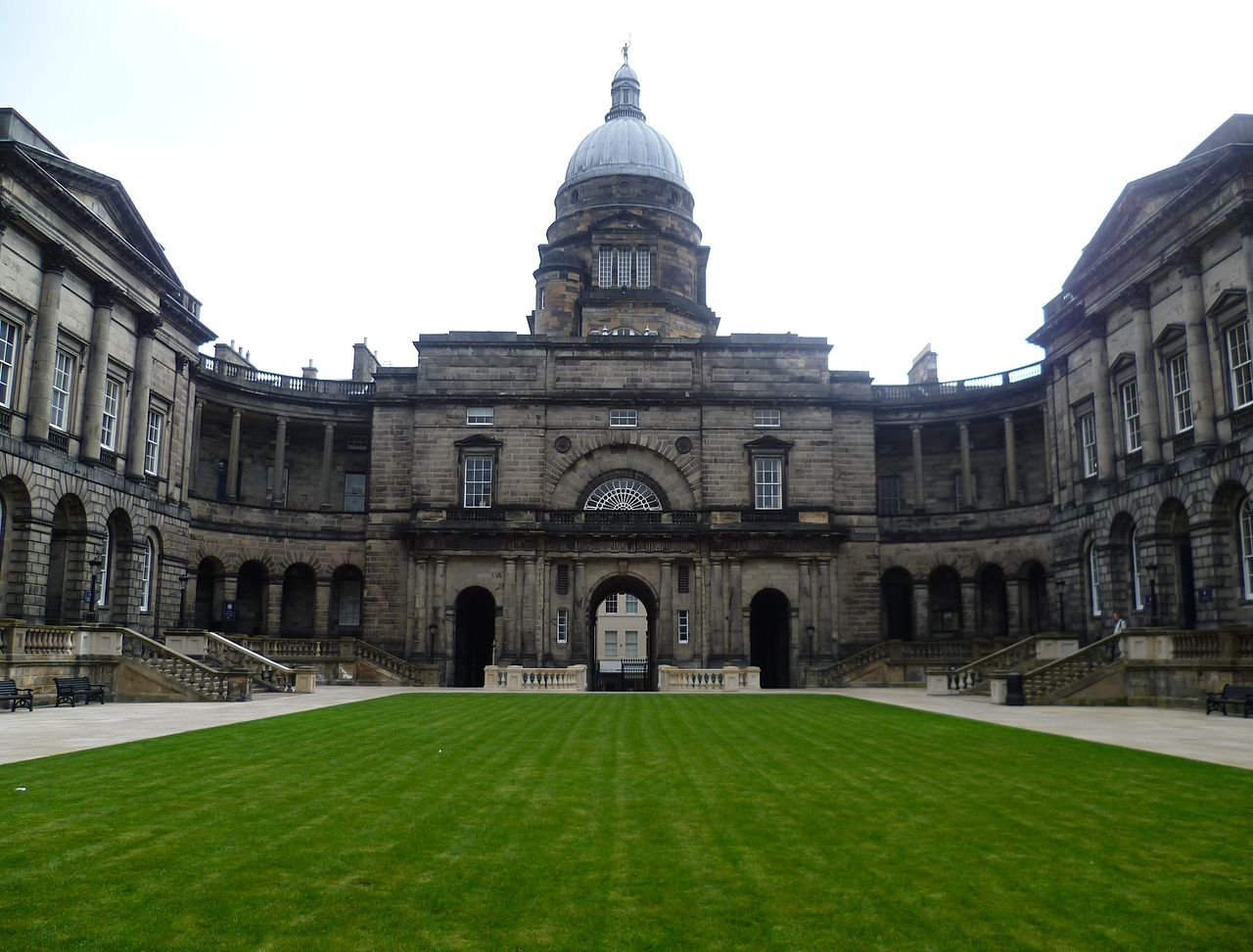 'Old College of Edinburgh University' by Kim Traynor - Own work. Licensed under CC BY-SA 3.0 via Commons - https://commons.wikimedia.org/wiki/File:Old_College_of_Edinburgh_University.JPG#/media/File:Old_College_of_Edinburgh_University.JPG