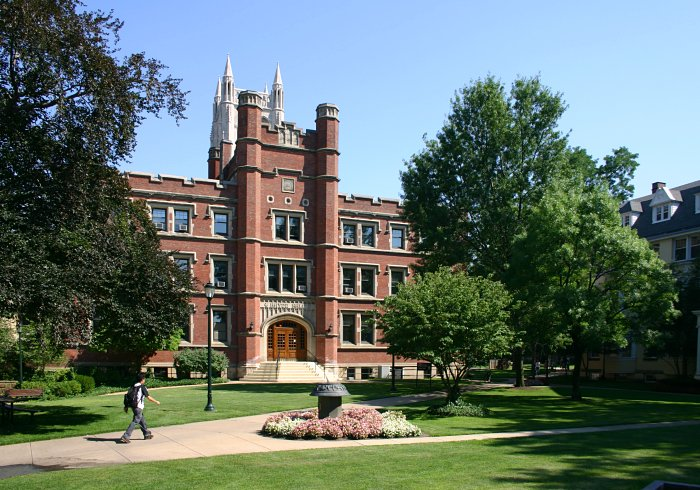 'Case western reserve campus 2005' by Rdikeman at the English language Wikipedia. Licensed under CC BY-SA 3.0 via Commons - https://commons.wikimedia.org/wiki/File:Case_western_reserve_campus_2005.jpg#/media/File:Case_western_reserve_campus_2005.jpg