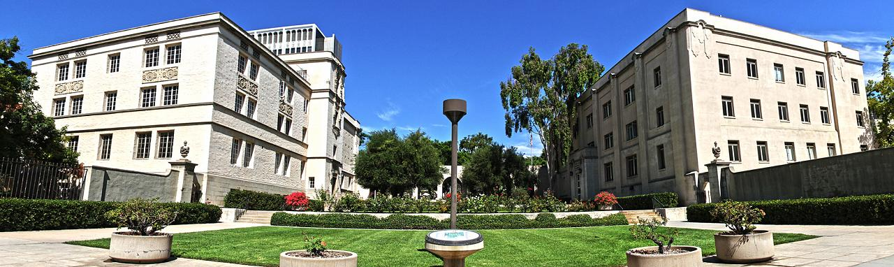 'Caltech Entrance' by Canon.vs.nikon - Own work. Licensed under CC BY-SA 3.0 via Commons - https://commons.wikimedia.org/wiki/File:Caltech_Entrance.jpg#/media/File:Caltech_Entrance.jpg