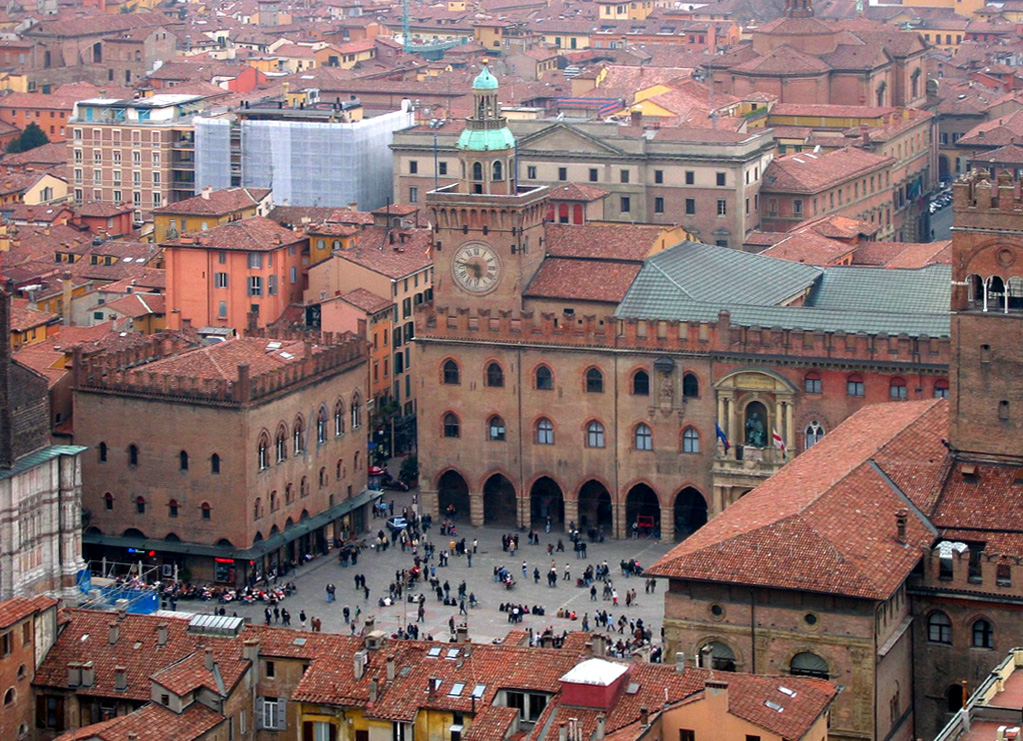 'Bologna-vista02' by Gaspa - Flickr. Licensed under CC BY 2.0 via Commons - https://commons.wikimedia.org/wiki/File:Bologna-vista02.jpg#/media/File:Bologna-vista02.jpg