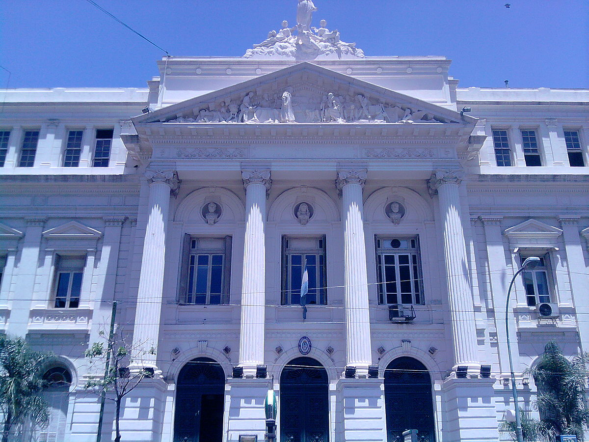 'Facultad de Ciencias Económicas, Buenos Aires, Argentina' by OneEuropeanHeart - Own work. Licensed under CC BY 3.0 via Commons - https://commons.wikimedia.org/wiki/File:Facultad_de_Ciencias_Econ%C3%B3micas,_Buenos_Aires,_Argentina.jpg#/media/File:Faculta